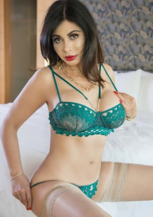Sabrinelle live escorts and erotic massage