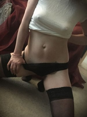 Mayssoune escort girl in Hood River and tantra massage