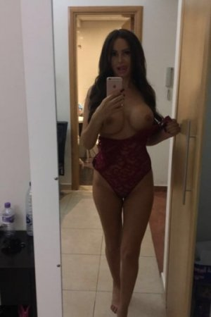Manissa vip call girl in Weddington and tantra massage
