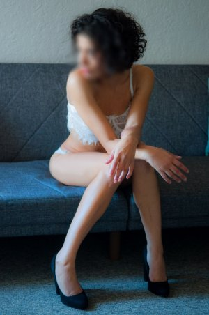 Chimene happy ending massage in Overland Park KS, escort girl