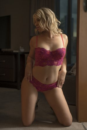 Maeva escort in Lompoc and thai massage
